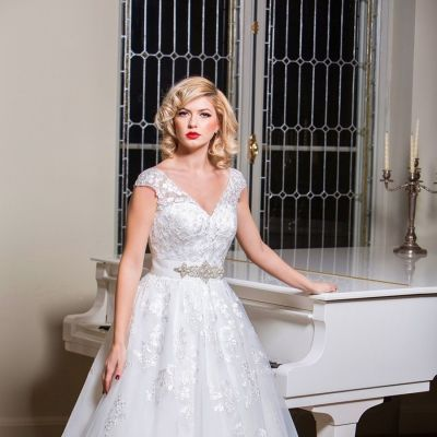 Rochie de mireasa Romantica by Best Bride model 16474