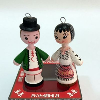 Marturii figurine traditionale din lemn - port popular Valcea