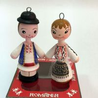 Marturii figurine traditionale din lemn - port popular Olt