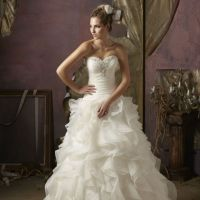 Rochiile de mireasa Mori Lee Bridal in Romania