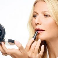 Gwyneth Paltrow a lansat prima sa linie de make-up organica